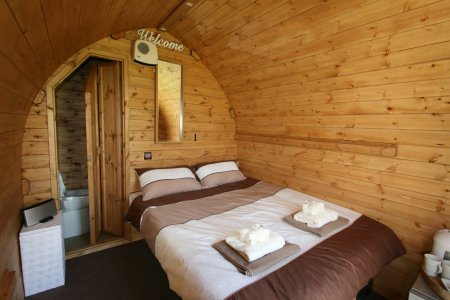 Luxury Cabin for 2 (en-suite)
